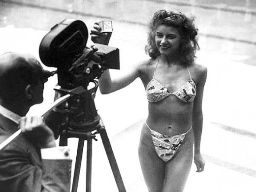 Worlds-First-Bikini-From-1946-2